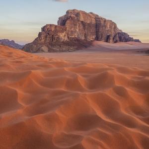 Dimineti in desert