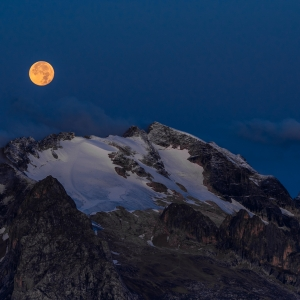 Apus de luna in Dolomiti
