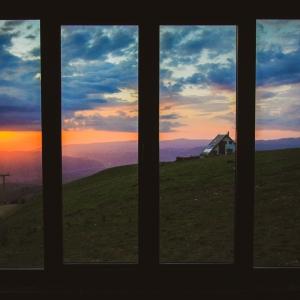 Tablou sau fereastră?